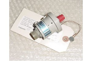 1G79, JP1026-1, Aircraft Fuel Pressure Switch w Serviceable tag