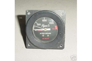 Aircraft Oxygen System Pressure Indicator, 30696-1