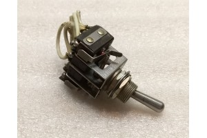13AT10, 5930-00-615-2966, Aircraft Toggle Micro Switch