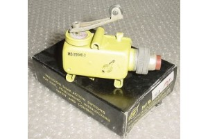 MS25040-3, H1-8, Nos Aircraft Landing Gear Door Squat Switch