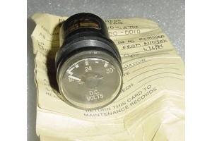 B3300-0010, Aircraft D.C. Volts Indicator w Serviceable tag