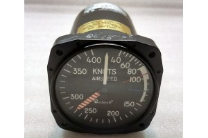 101-384006-3, 1402-03, Nos Beechcraft Airspeed Indicator
