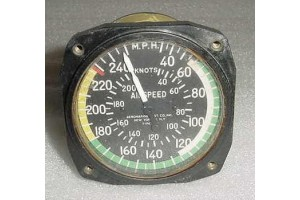 450-738, 450 738, Twin Piper Aircraft Airspeed Indicator