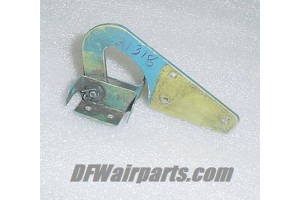 21318-000, 21318-00, Piper PA-24 Comanche Nose Gear Door Hinge